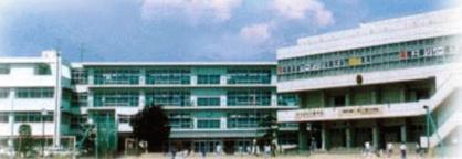 春日部市立春日部中学校の画像1