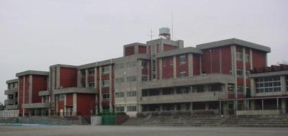 藤沢市立高倉中学校の画像1