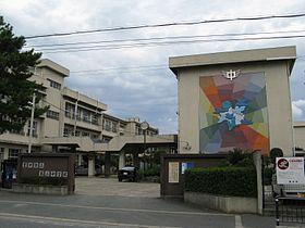 豊中市立第三中学校の画像1