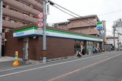 ファミリーマート 東大阪稲田上町店の画像1