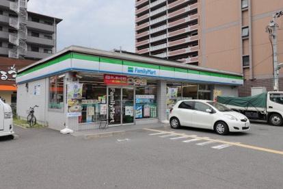 ファミリーマート 鶴見緑地東店の画像1