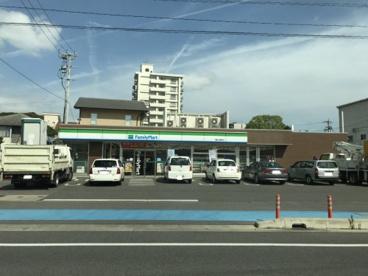 ファミリーマート岡崎久後崎町店の画像1