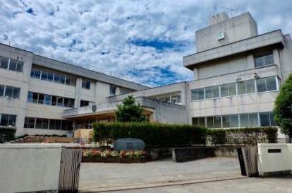 毛里田中学校の画像1