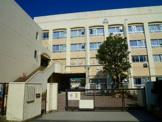 川崎市立西高津中学校