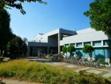川崎市立高津図書館