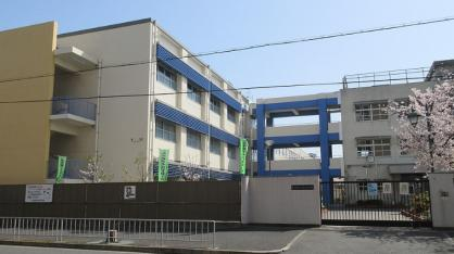 東大阪市立高井田西小学校の画像1