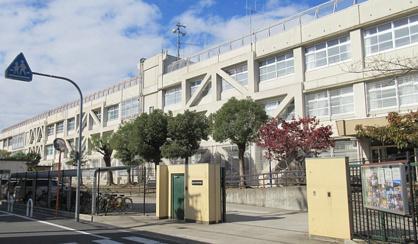 東大阪市立弥刀中学校の画像1