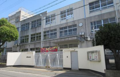 東大阪市立盾津東中学の画像1