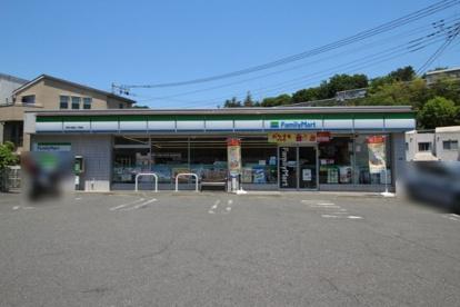 ファミリーマート 神木本町二丁目店の画像1