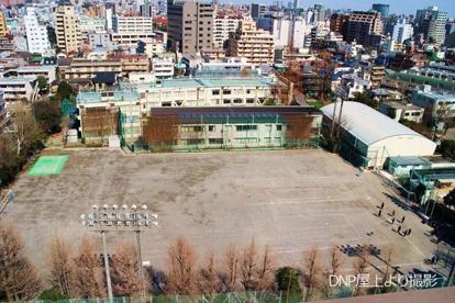 新宿区立牛込第三中学校の画像1