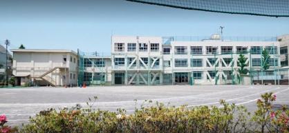 新宿区立牛込第一中学校の画像1