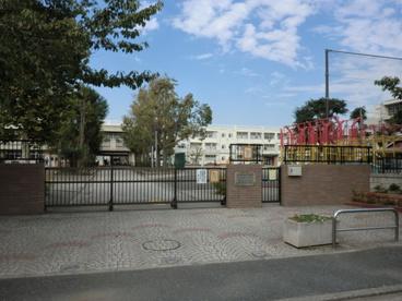 横浜市立潮田小学校の画像1