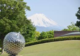 山梨県立美術館の画像1