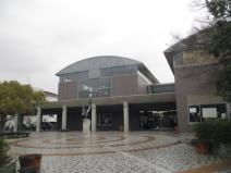 山陽小野田市立中央図書館