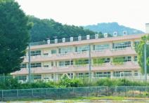 韮川西小学校