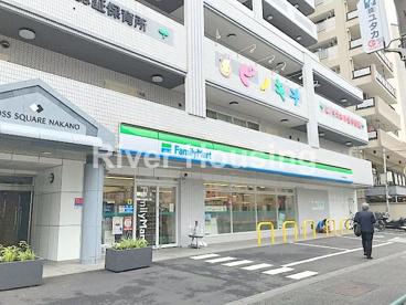ファミリーマート 中野早稲田通り店の画像1