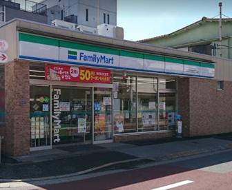 ファミリーマート 北区赤羽西四丁目店の画像1
