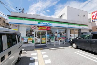 ファミリーマート 西宮桜谷店の画像1