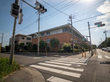 武蔵村山市立雷塚図書館の画像1