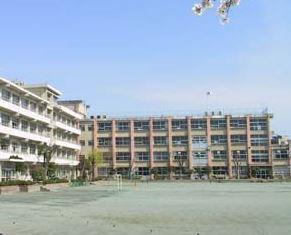 前橋市立第三中学校の画像1