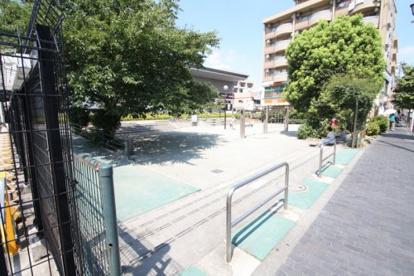 仙川駅前公園の画像1