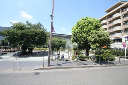 仙川駅前公園の画像2