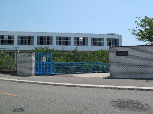 塩屋中学校の画像