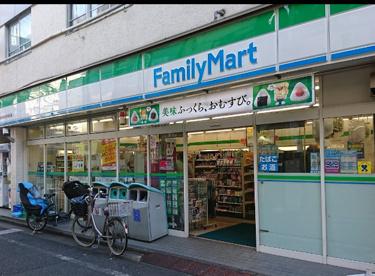 ファミリーマート 丸萬椎名町北口店の画像1
