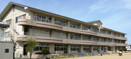 生品小学校の画像1
