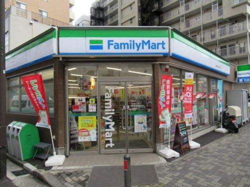 ファミリーマート 鶴見区役所通り店の画像