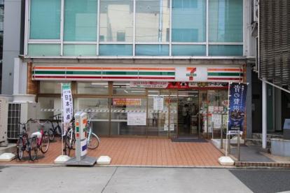 セブンイレブン 名古屋栄1御園通店の画像1