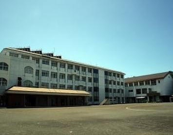 沼津市市立千本小学校の画像1