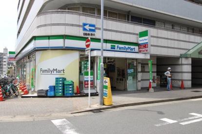 ファミリーマート名古屋栄一丁目店の画像1