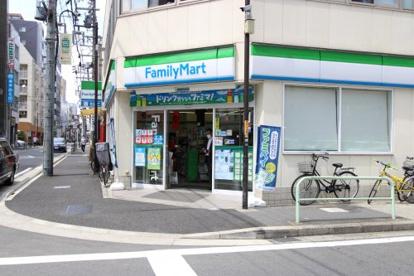 ファミリーマート栄一丁目店の画像1