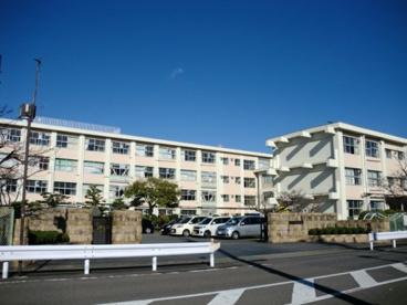 岐阜市立長良東小学校の画像1
