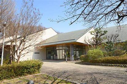 福生市立中央図書館の画像1