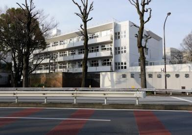 港区立青山中学校の画像1
