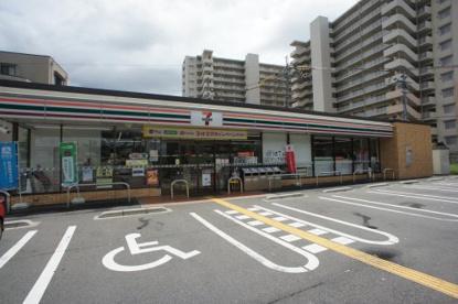 セブン-イレブン 大阪長原駅北店の画像1