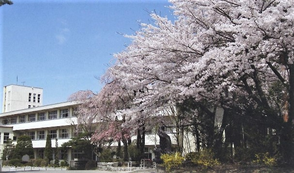 御代田南小学校の画像