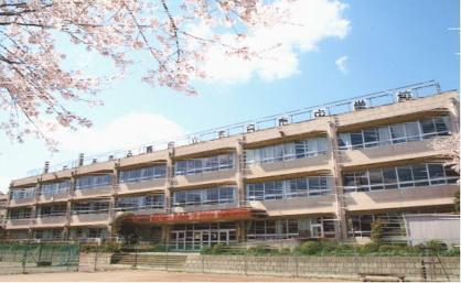 あきる野市立五日市中学校の画像1