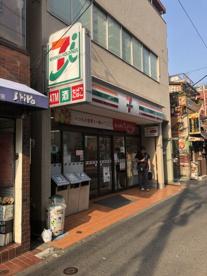 セブンイレブン 大島駅前店の画像1