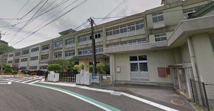 大分市立滝尾小学校の画像1