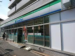 ファミリーマート 小滝橋通り店の画像1