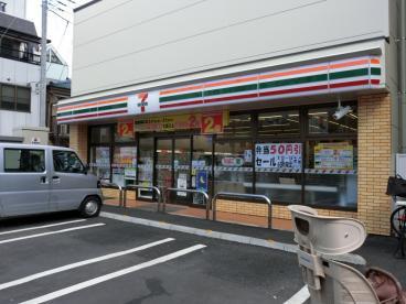 セブンイレブン 北区田端駅東店の画像1