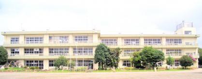 世良田小学校の画像1
