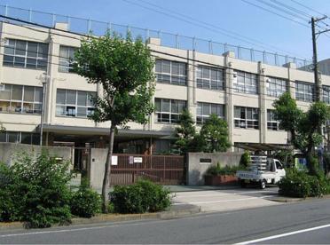 大阪市立東淀中学校の画像1