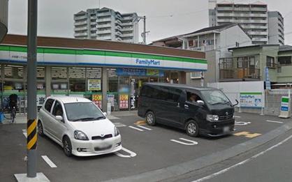 ファミリーマート 井高野店の画像1