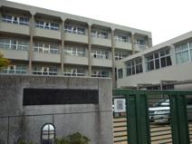 鷹匠中学校