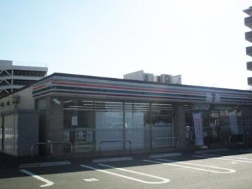 セブンイレブン 亀岡駅前店の画像1