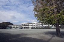 鎌倉市立腰越小学校